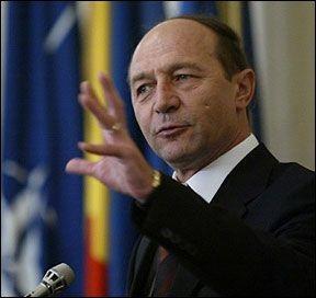 Băsescu va candida din nou