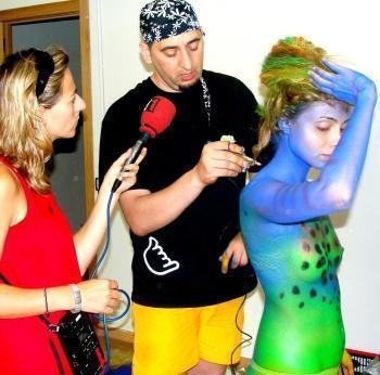 """Castellon: Artistul român Augustin Ghebaru prezintă colecţia """"Oceano"""""""