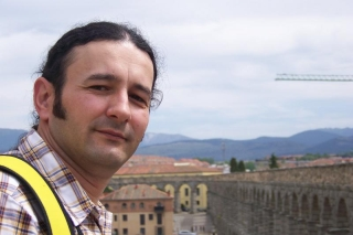Scriitorul Gelu Vlasin, decorat la Ambasada Romaniei de la Madrid