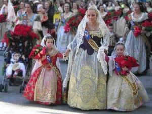 """""""Fallas de Valencia"""" – o sărbătoare a reînnoirii şi a pocnitorilor"""