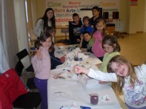 Ateliere de pictat ouă de Paşti la Coslada şi Alcalá de Henares
