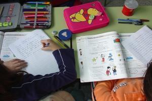 """""""La vuelta al cole"""" pentru 120 de mii de copii români din Spania"""