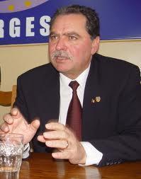 Preşedintele CJ Argeş acuzat de luare de mită şi fraudare de fonduri europene