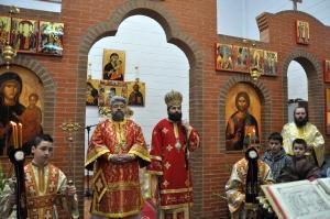Bucuria comuniunii in slujire – Liturghie arhiereasca la Coslada