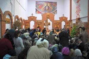 Taina Sfantului Maslu in biserica Sf. Nectarie Taumaturgul