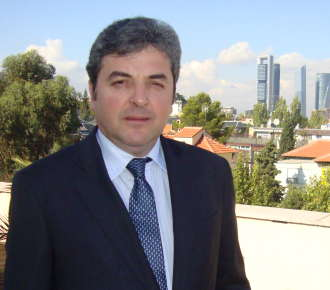 "Ambasadorul Romaniei in Spania: ""Vreau ca romanii sa simta ca au acces in ambasada si la consulate"""