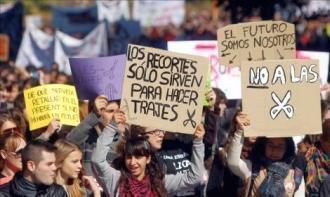 Politia spaniola se bate cu studentii la Valencia