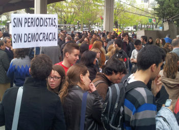 "Presa spaniola trage semnalul de alarma: ""Fara jurnalisti nu exista democratie"""