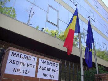 Documentele cu care romanii din Spania pot sa voteze la alegerile din 9 decembrie