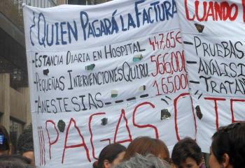 """""""Sanatatea ta se vinde"""" – protestul medicilor in 16 orase din Spania impotriva privatizarii spitalelor"""