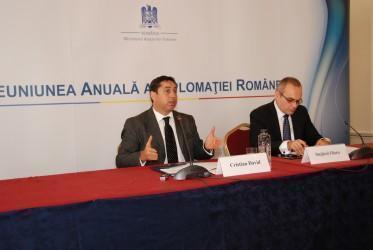 Ministrul Cristian David susţine că nu va fi îngrădit dreptul de vot al românilor din străinătate