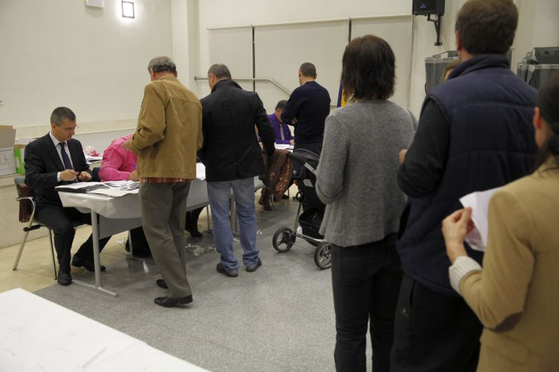 sectie de votare alegeri prezidentiale 2014 primul tur coada