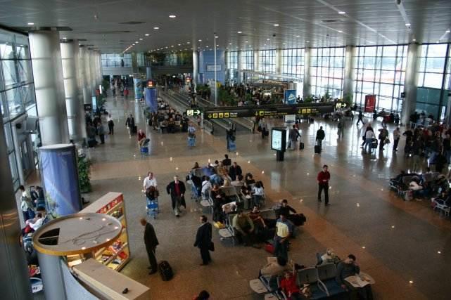 Alertă teroristă pe aeroportul Barajas din Madrid