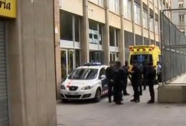 Un profesor ucis și 4 răniți la un liceu din Barcelona