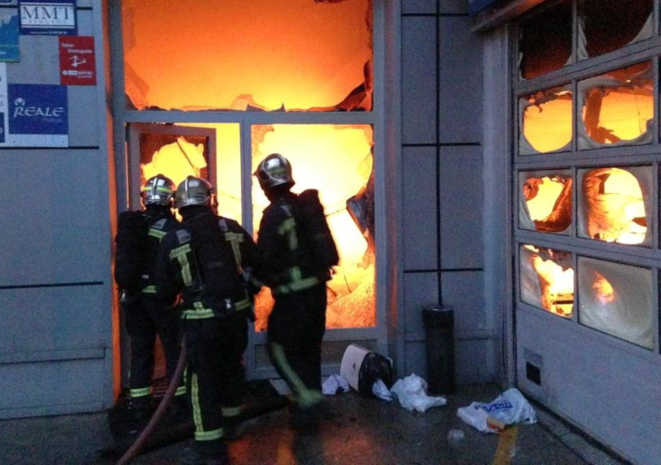incendiu dealer auto ford madrid b