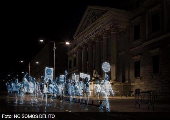 Legea Botniță scoate hologramele în stradă la Madrid