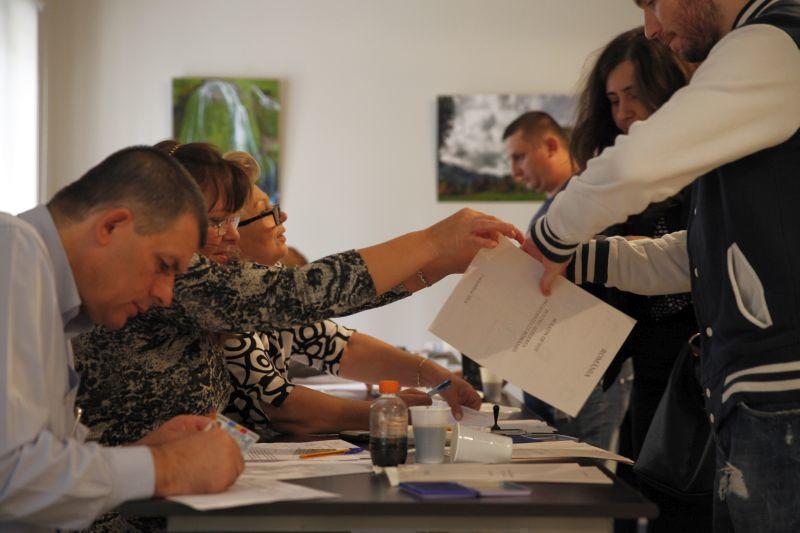 sectie de votare alegeri prezidentiale 2014 primul tur