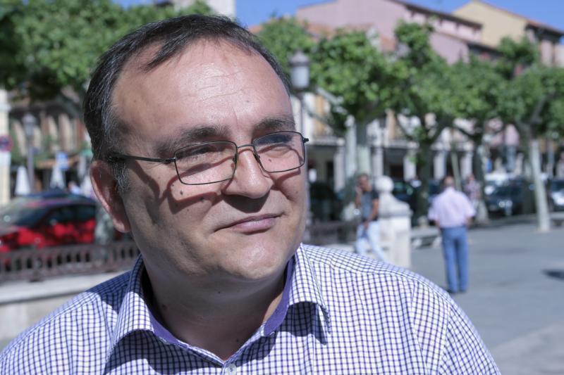 """Candidat român la PP: """"Ar fi fost mai mulţi români pe liste, dacă ar participa la viaţa socio-politică din Spania"""""""
