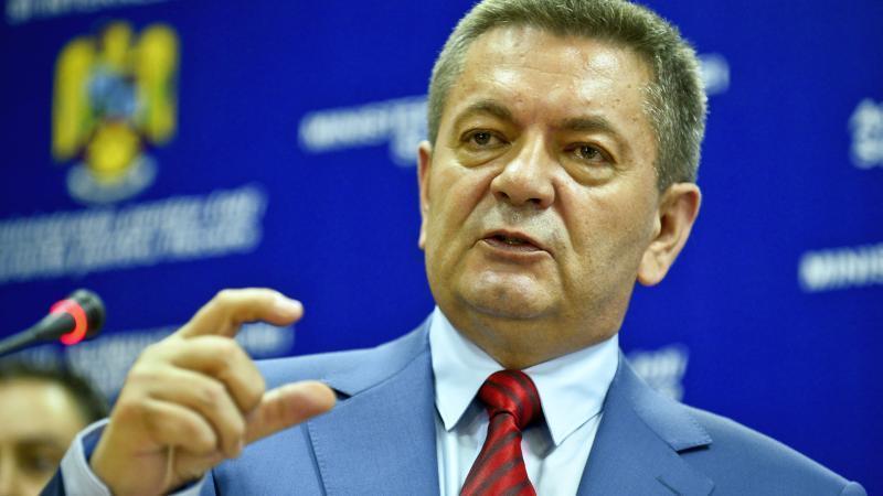 """Ministrul Ioan Rus despre românii din străinătate: """"Copiii se fac golani acasă şi nevasta curvă"""""""