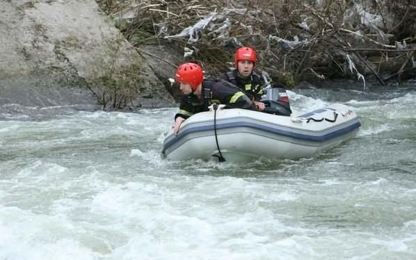 Un copil român s-a înecat după ce a scăpat mingea în râu