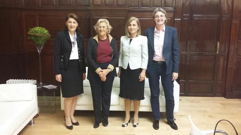 Primăria Madrid vrea să-i ajute pe tinerii români